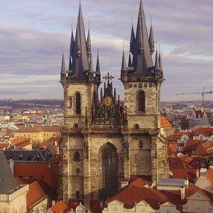 Старая Прага привлекает современный бизнес
