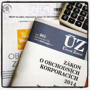 Уже в мае 2015 года регистрация фирмы в Чехии может быть проведена нотариусом он-лайн